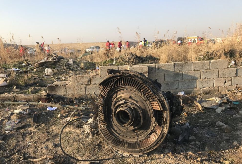 Vragdele efter PS752 på nedstyrtningsstedet. (Foto: Mehr News Agency | CC 4.0)