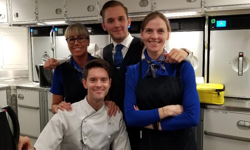 Vores dygtige personale i  Plus-kabinen. (Foto: Peter Zeuthen)