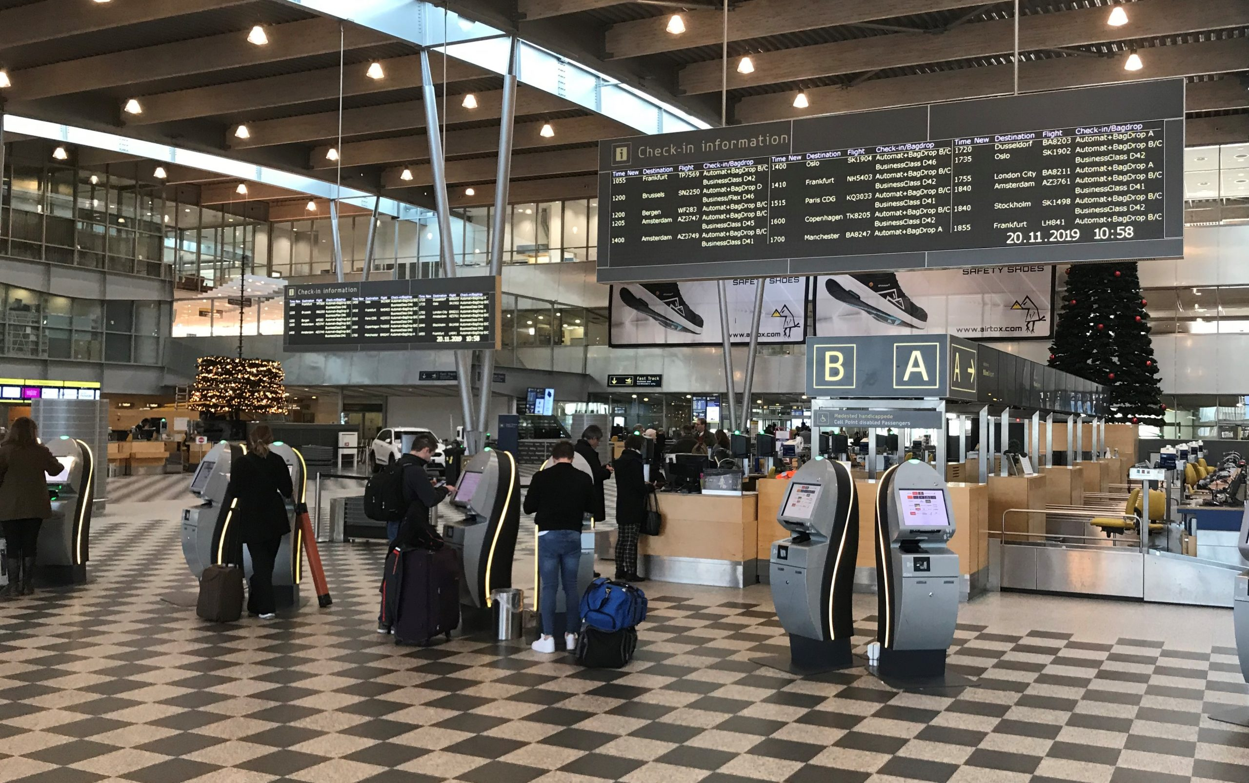 Afgangshallen i Billund Lufthavn. (Foto: Ole Kirchert Christensen)