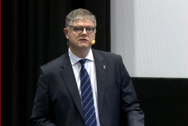 Norwegians koncernchef Jacob Schram ved investormødet den 13. februar 2020. (Foto: Norwegian    video qbrick.com)