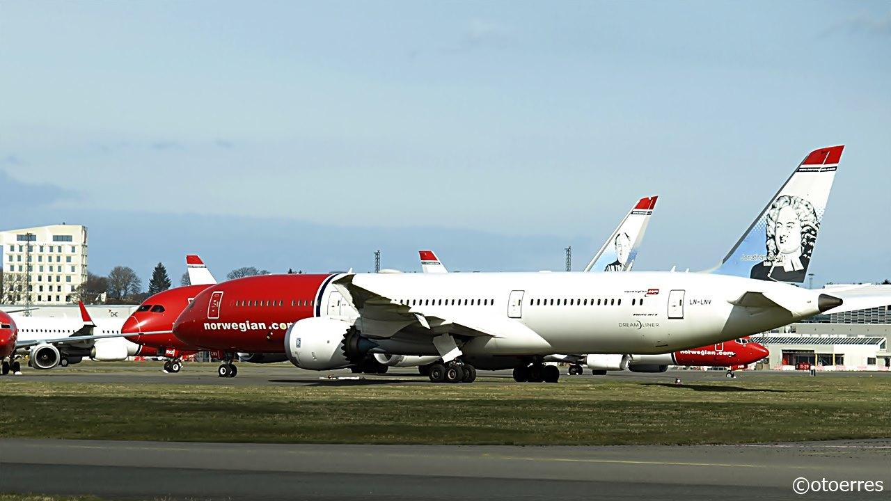 Norwegian-fly parkeret i Stavanger Airport. (Foto: Oddegeir Tørresdal)