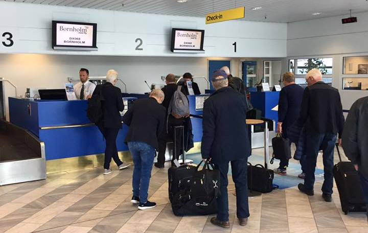 Indcheckning i Midtjyllands Lufthavn til DX068 til Bornholm. (Foto: Bornholm med fly)