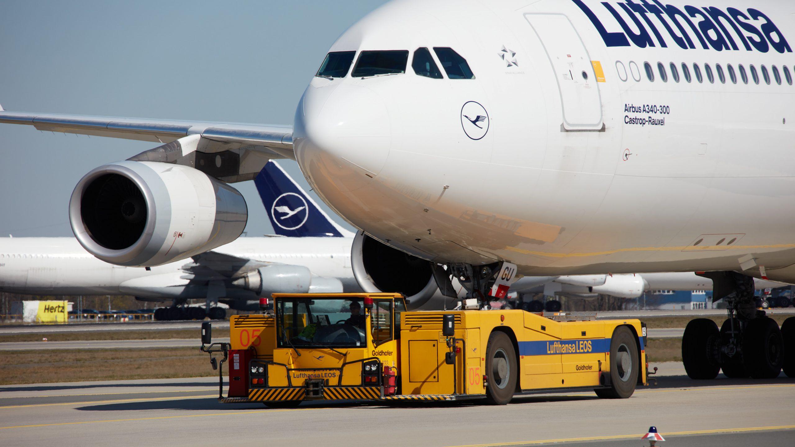 Lufthansa-fly parkeret i München Lufthavn. (Foto: @Photographer: Oliver Roesler | Lufthansa)