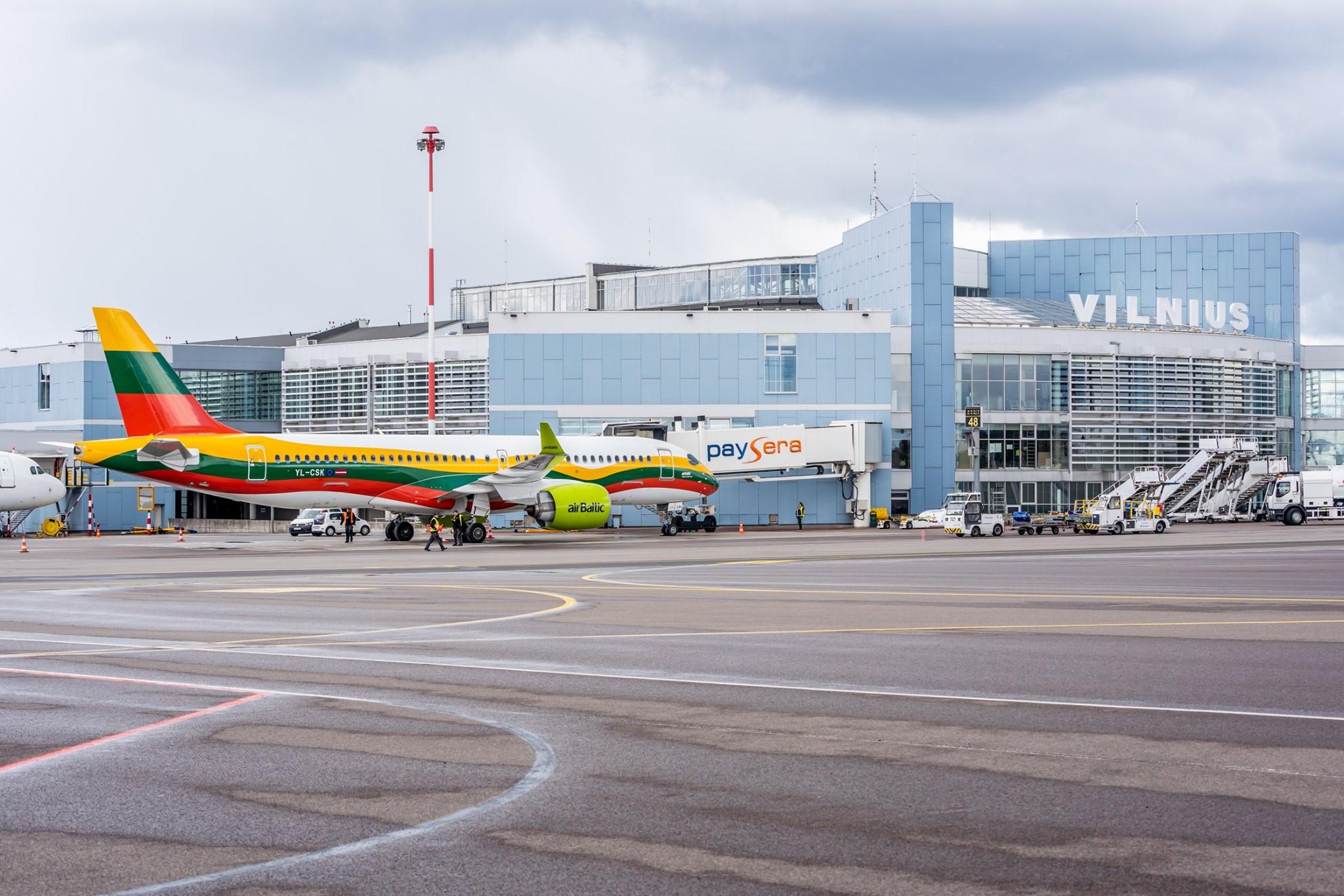 Airbus A220 fra airBaltic i Vilnius Airport. (Foto: Vilnius Airport)
