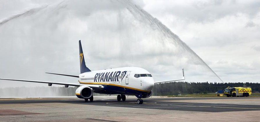 Boeing 737-800 fra Ryanair i Helsinki Lufthavn. Foto: Finavia
