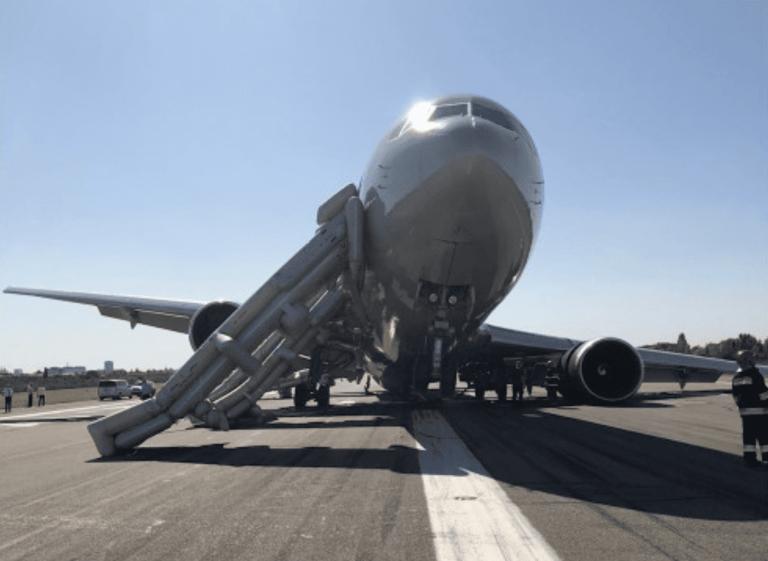 Boeing 767-300 flyet fra Omni Air på landingsbanen i Aurel Vlaicu Airport  i Bukarest. (Foto fra Twitter)