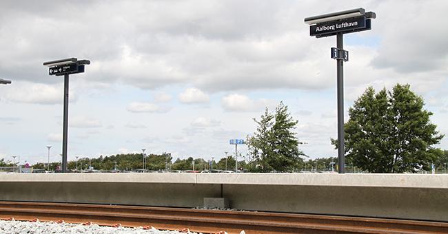 "Perronen på den nye station ""Aalborg Lufthavn"". (Foto: Aalborg Lufthavn)"