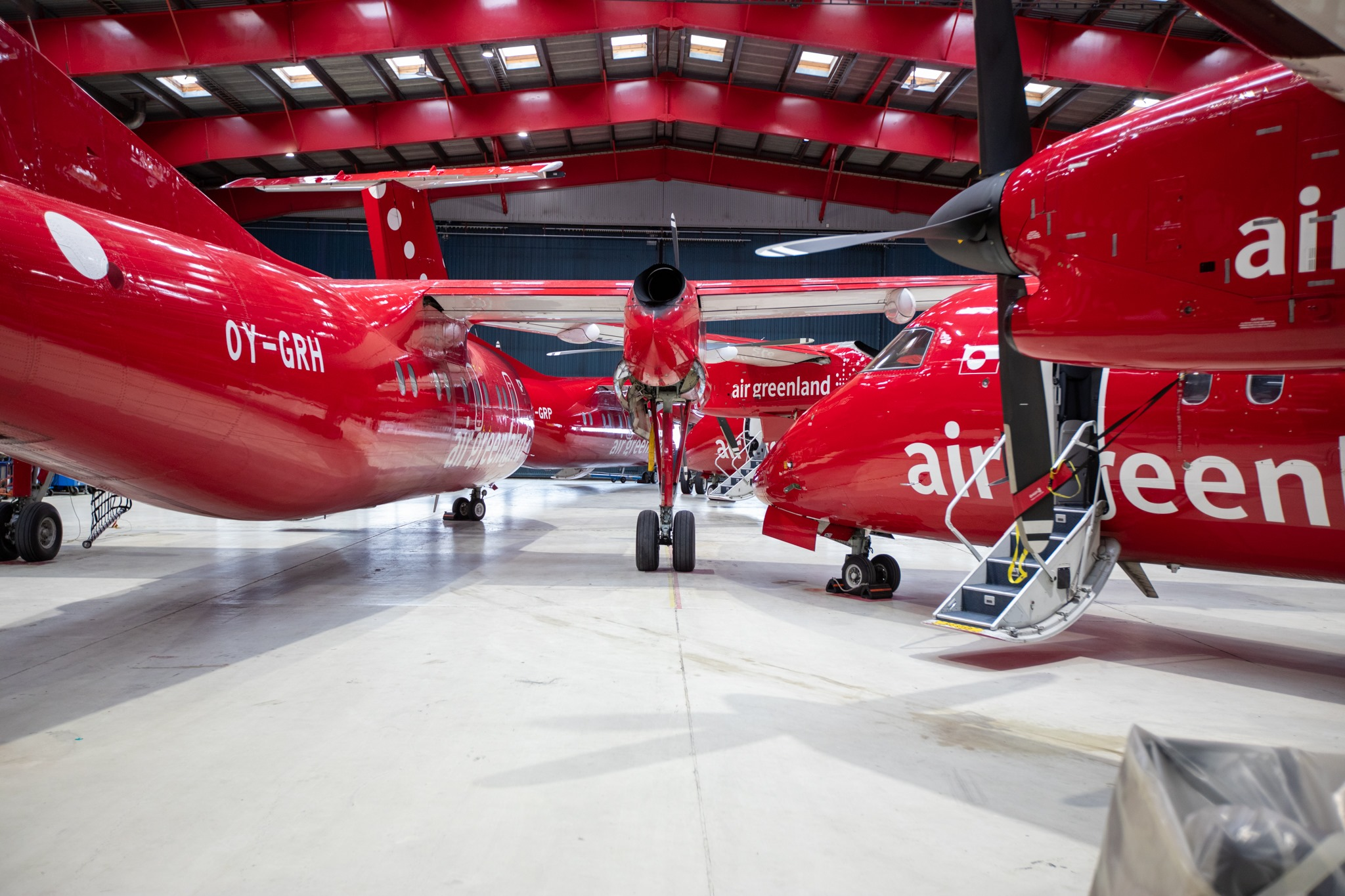 Air Greenland-fly i hangar under corona-nedlukningen i april. (Foto: Air Greenland)