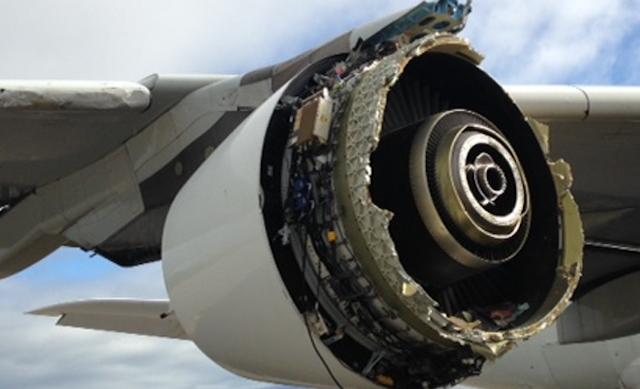 Den beskadigede motor på A380'eren fra Air France. Foto: BEA