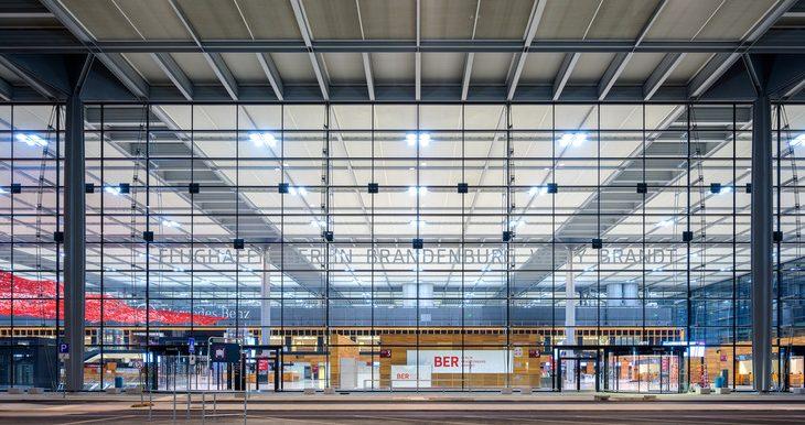 Facaden i den nye Berlin Brandenburg-lufthavn. Foto: Flughafen Berlin Brandenburg (FBB)
