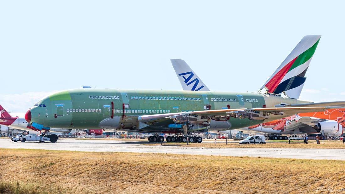 Den sidste Airbus A380 er rullet ud af samlehallen i Toulouse. Foto: Aviation Toulouse/Twitter