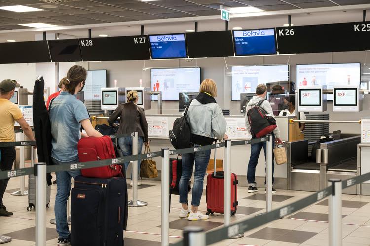 Check-in-område i Berlin Schönefeld Airport. Foto: Flughafen Berlin Brandenburg (FBB)