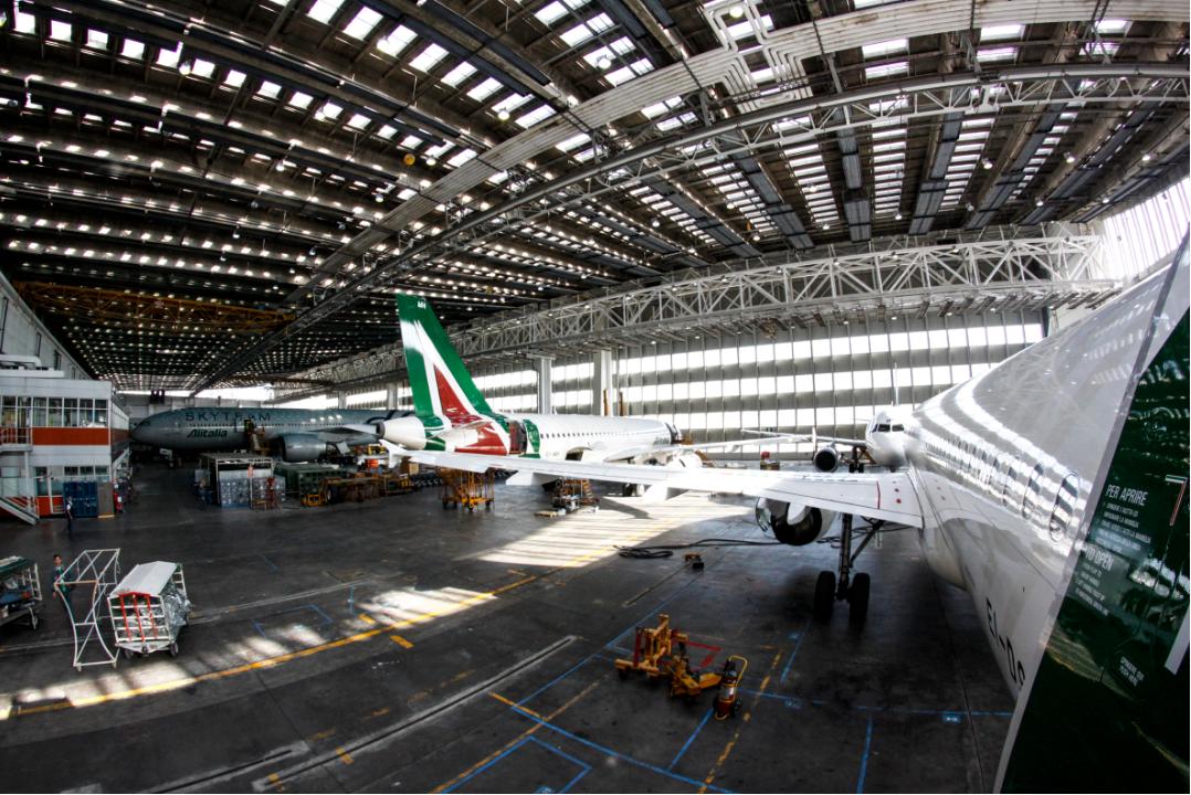 Alitalia-fly i hangar. (Foto: Alitalia | PR)
