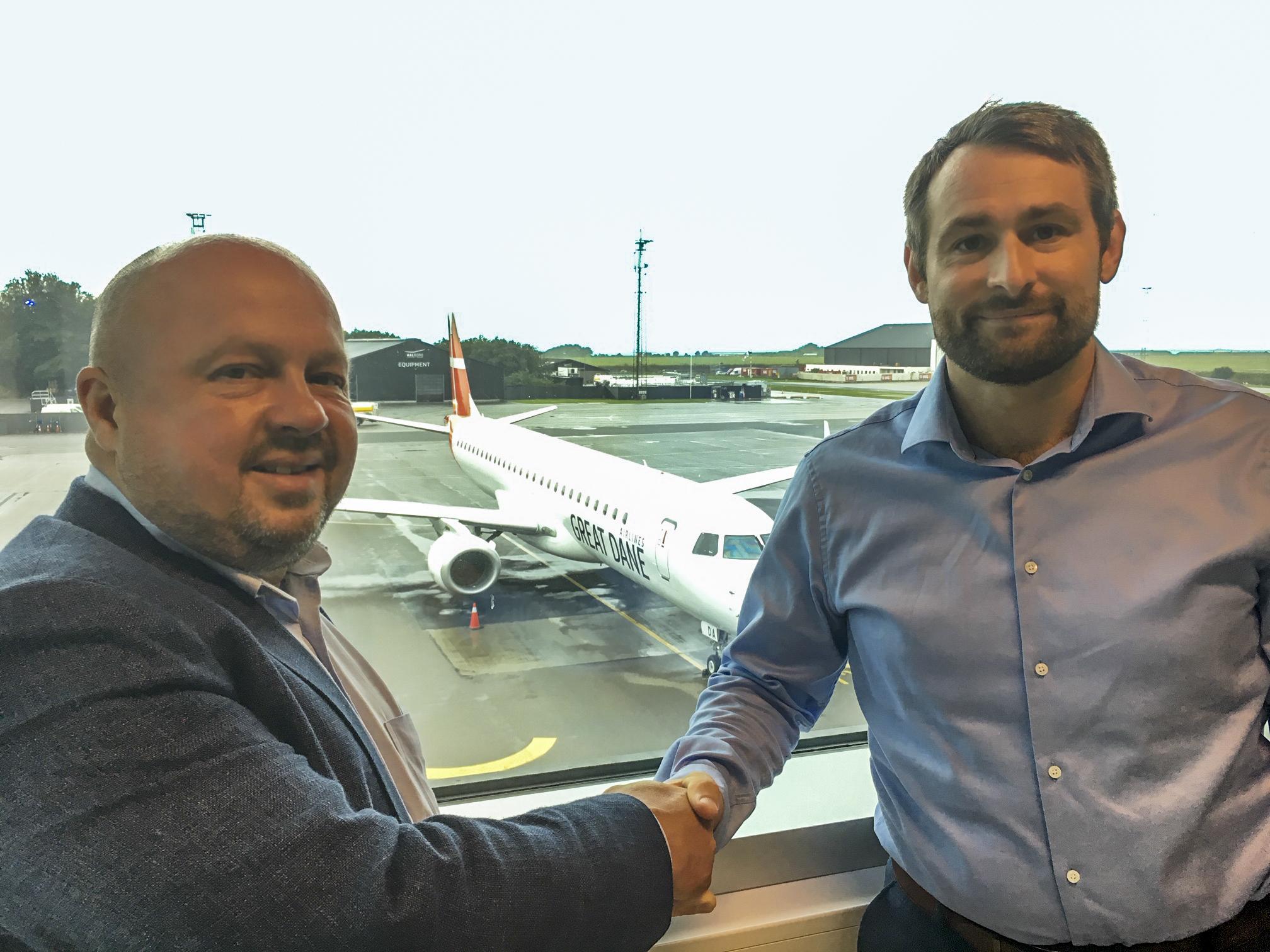 Adm. direktør Peder Hornshøj, Bravo Tours (t.v.) og adm. direktør Thomas Hugo Møller, Great Dane Airlines. (Foto: Bravo tours   PR)