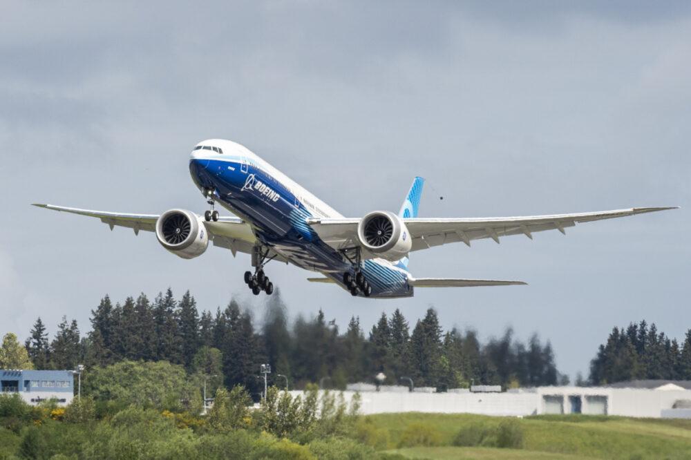 En Boeing 777X letter på en testflyvning. Foto: Boeing