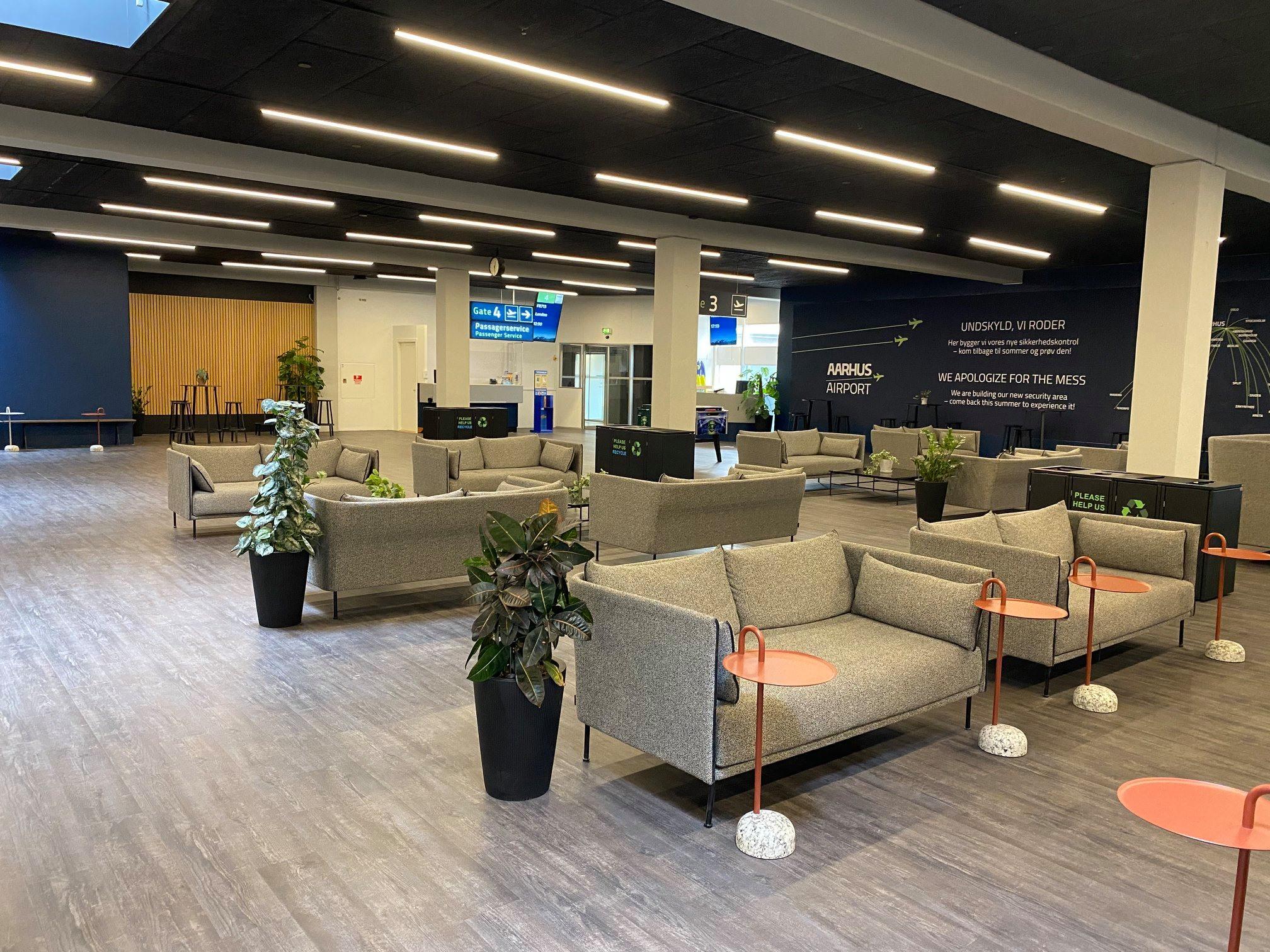 Afgangs- og venteområdet i Aarhus Lufthavn. (Foto: Aarhus Airport)