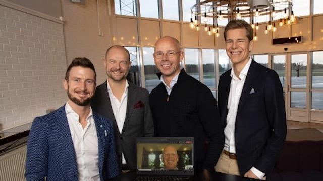 De fem iværksættere bag Skåneflyg. Fra venstre Jacob Karlsson, Carl-Henrik Dahlqvist, Fredrik Rosengren, på skærmen Henrik Persson Ekdahl, og Sam Giertz. Foto: PR