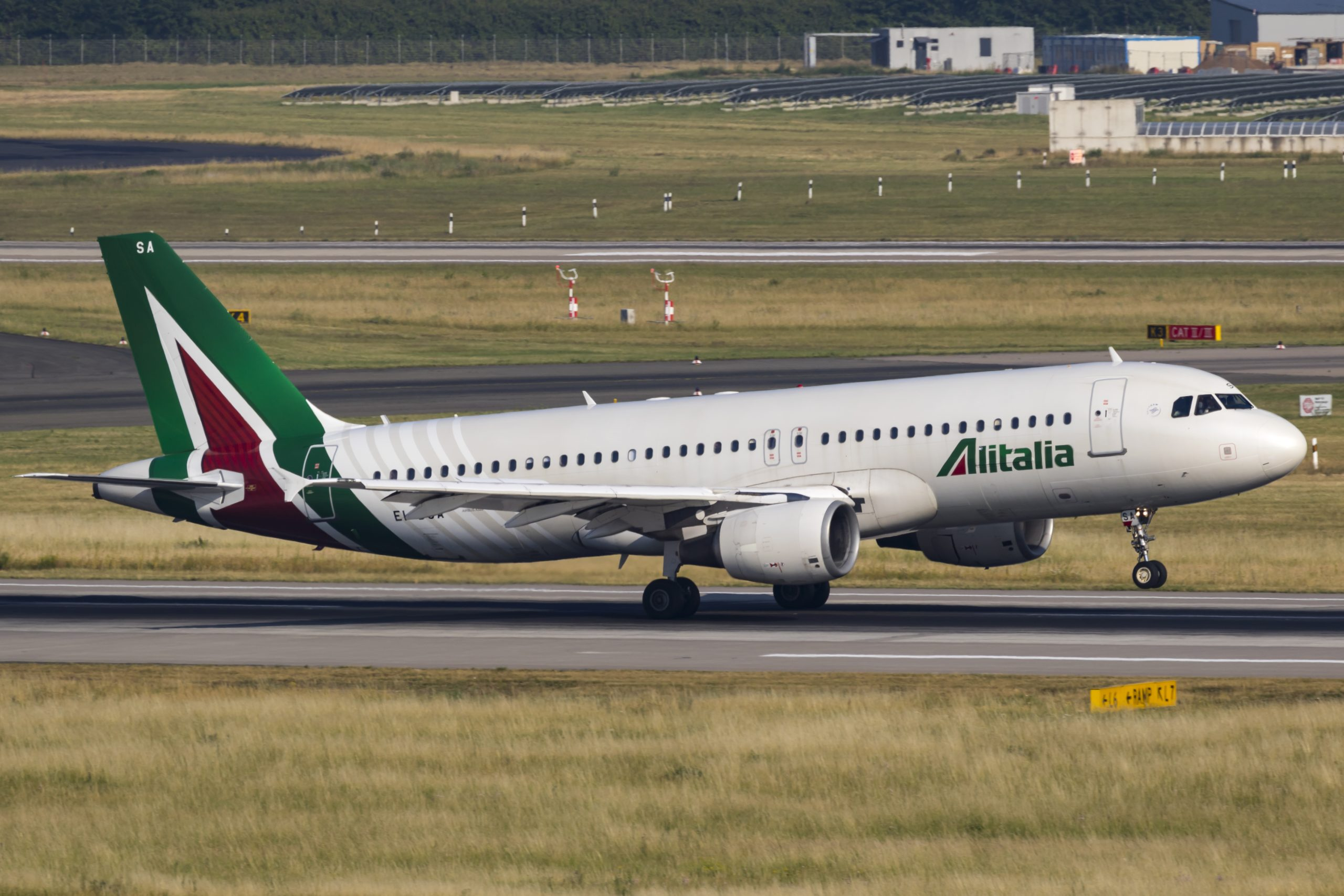En Airbus A320-200 fra Alitalia. Foto: © Thorbjørn Brunander Sund, Danish Aviation Photo