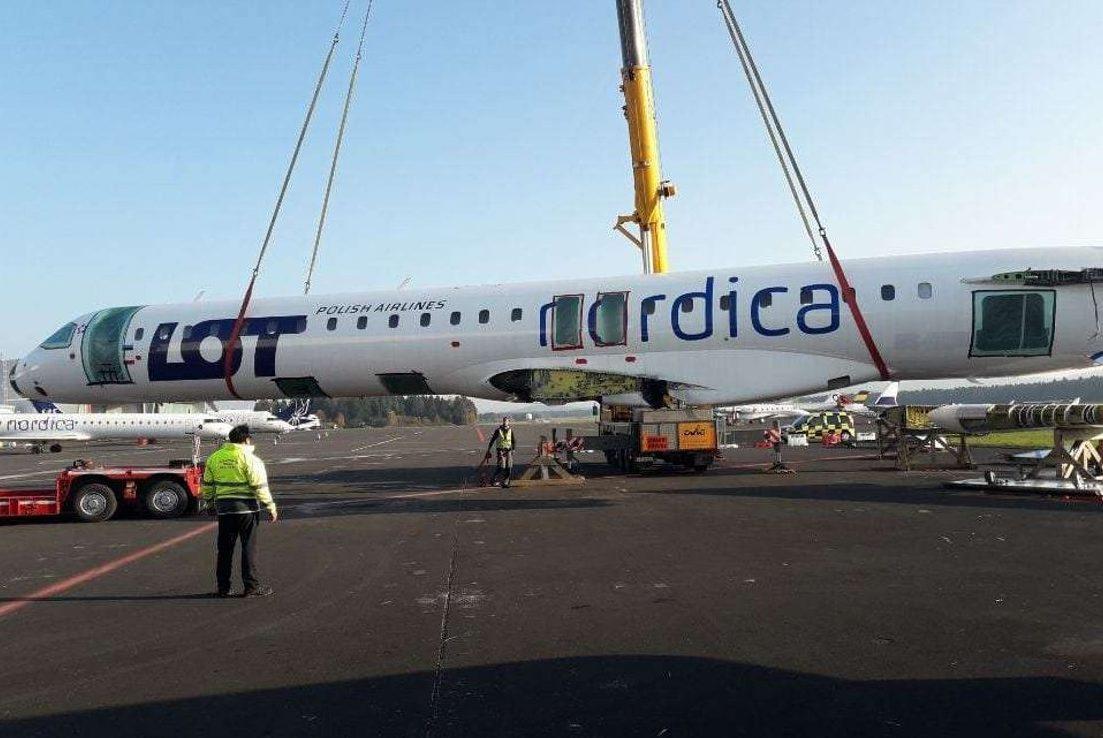 En pensioneret Bombardier CRJ-900 fra estiske Nordica er transporteret til et slovensk hotel. Foto: 24ur.com