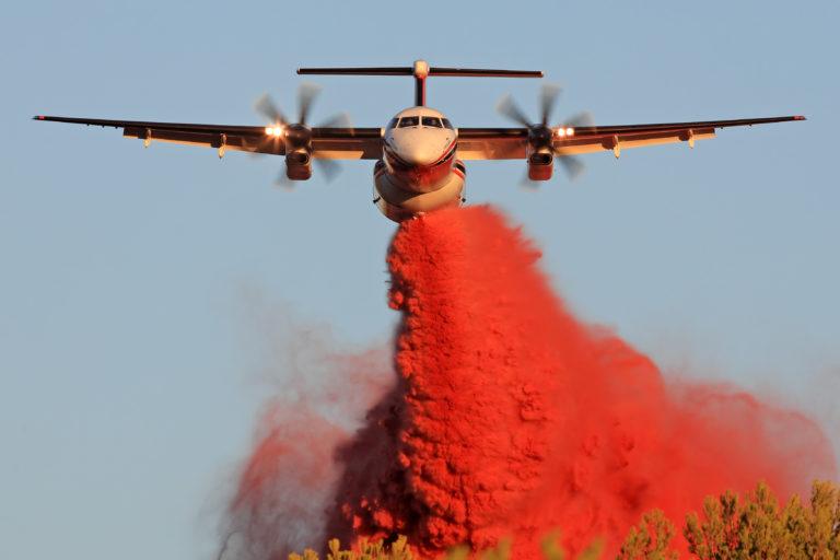 En Q400 fra det canadiske selskab Conair, der bekæmper brande fra luften. Foto: Alexandre Dubath/Conair