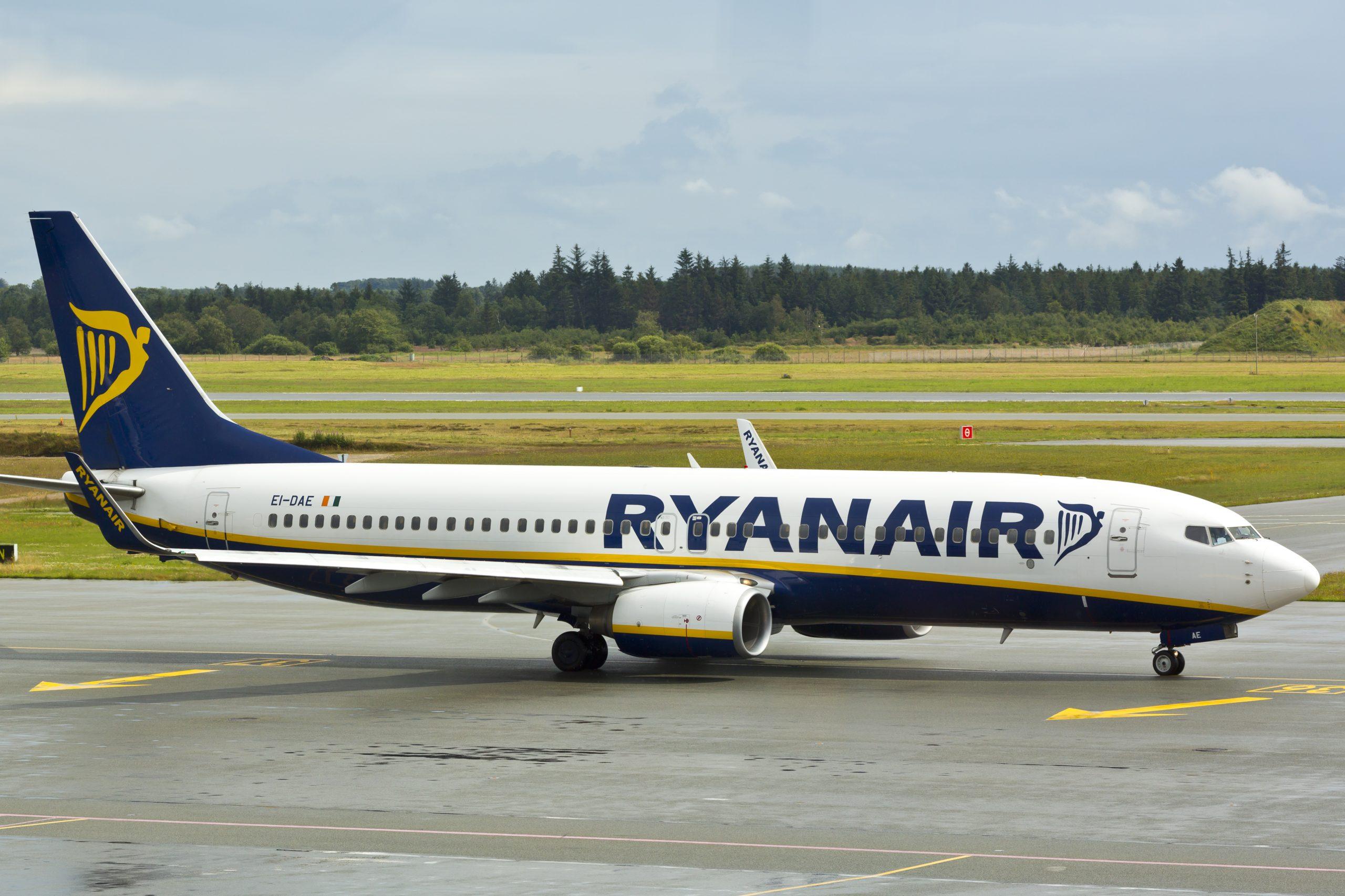 Boeing 737-800 fra Ryanair i Billund Lufthavn. (Foto: © Thorbjørn Brunander Sund   Danish Aviation Photo)