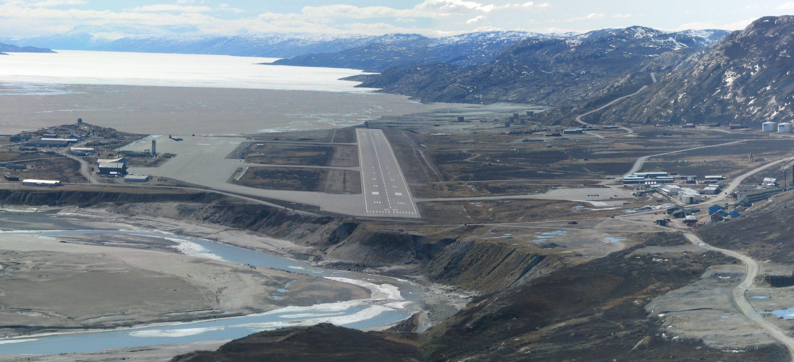 Oversigt over Kangerlussuaq Lufthavn. Foto: Grønlands Lufthavne