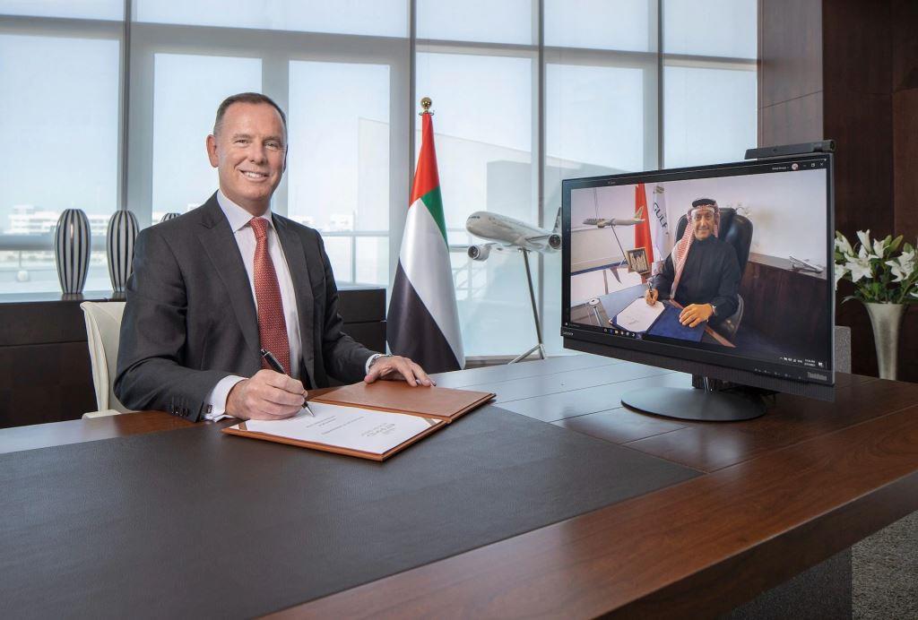 Tony Douglas, koncernchef for Etihad Aviation Group i videokonference med Captain Waleed AlAlawi, koncernchef hos Gulf Air. (Etihad Airways | PR)