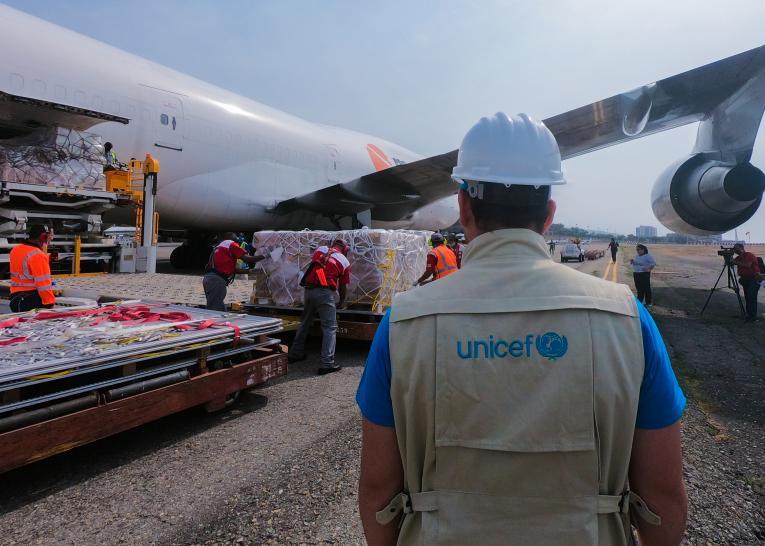 UNICEF har stor erfaring med logistikoperationer verden over. Foto: UNICEF