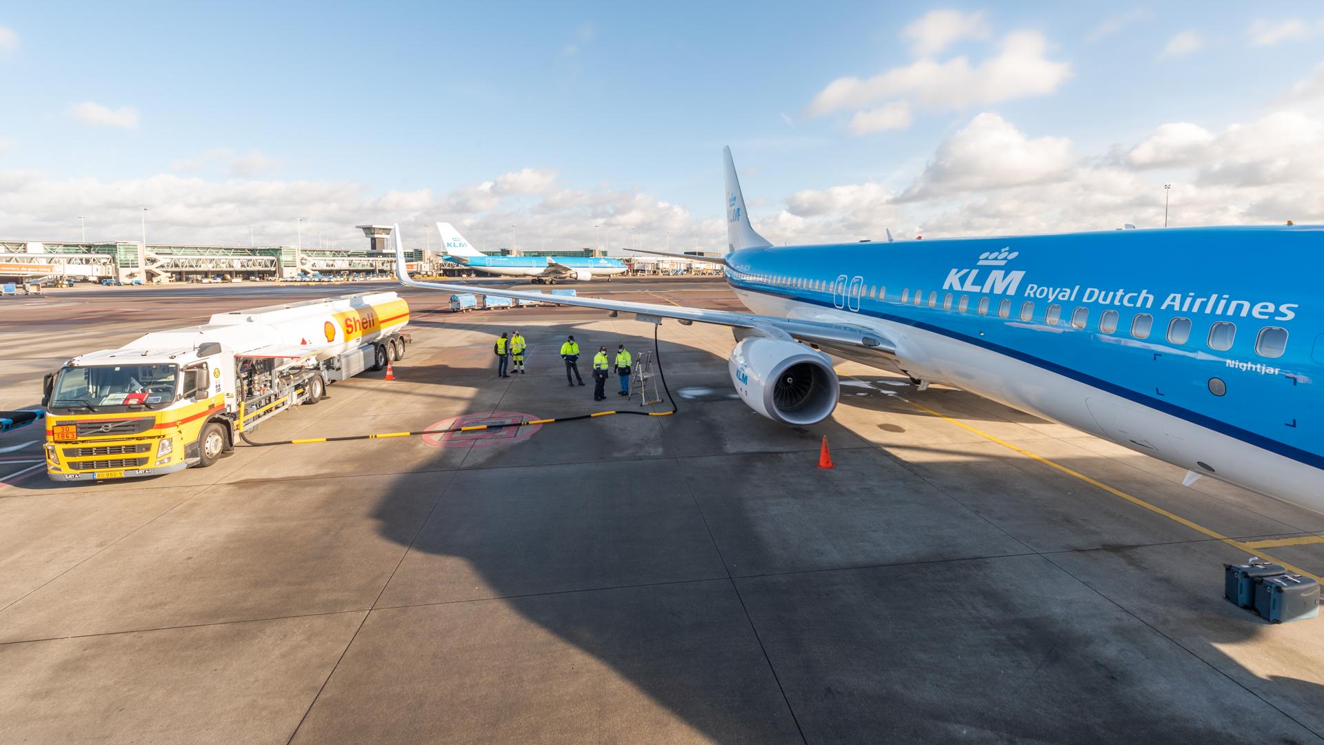 KLM har med en Boeing 737 gennemført verdens første flyvning med iblandet syntetisk flybrændstof. Foto: KLM