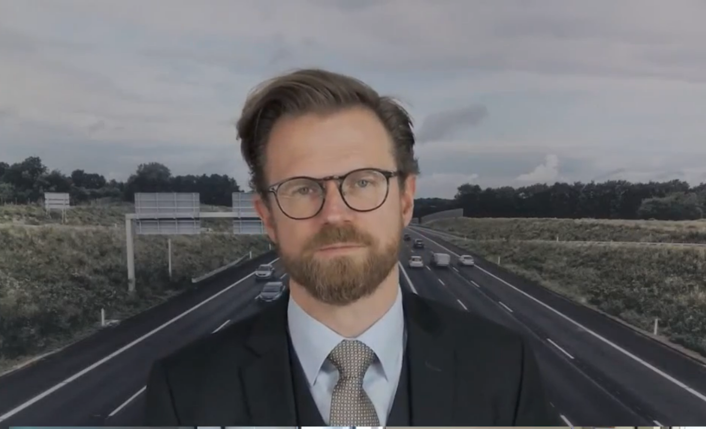 Transportminister Benny Engelbrecht ved webinaret hos DI Transport.