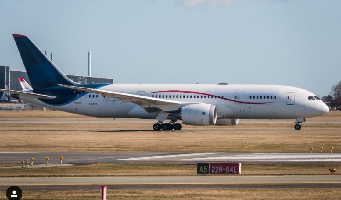 Boeing 787-8 Dreamlineren fra Comlux Aruba i Københavns Lufthavn. (Foto: Martin Ritthakorn Godske)