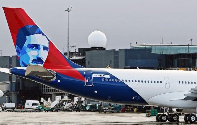 Airbus A330-200-flyet med Nikola Tesla på haleroret. Foto: International Aerospace Coatings