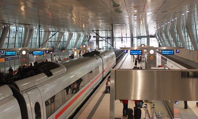 Togstationen i Frankfurt Lufthavn. Foto: zug55/Creative Commons
