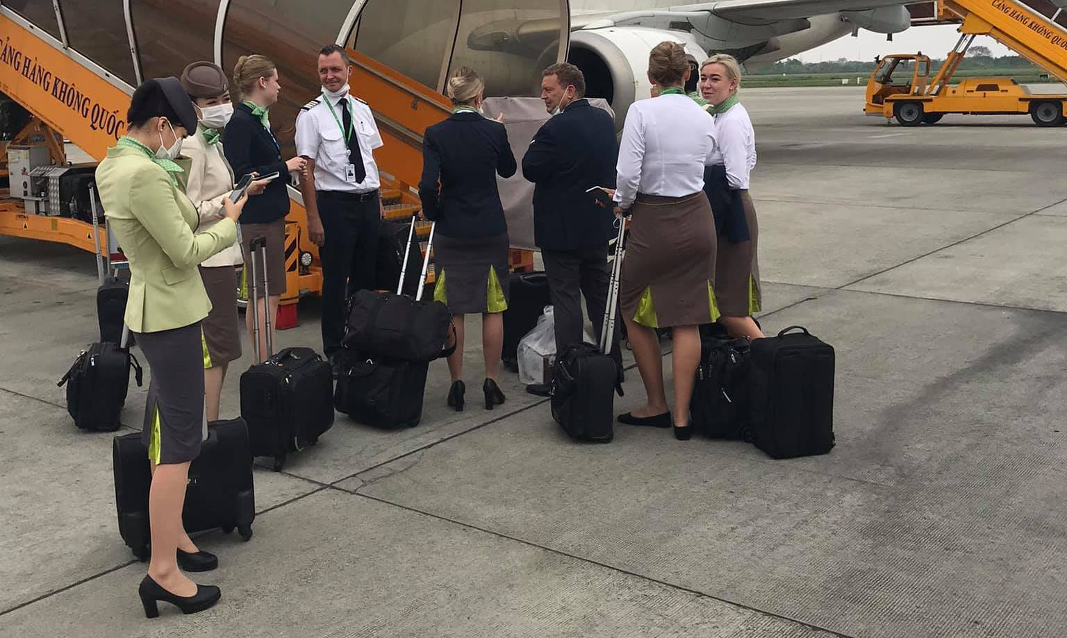 Great Dane Airlines-crew i Vietnam. (Foto: Peter Christian Bühlmann Jensen)
