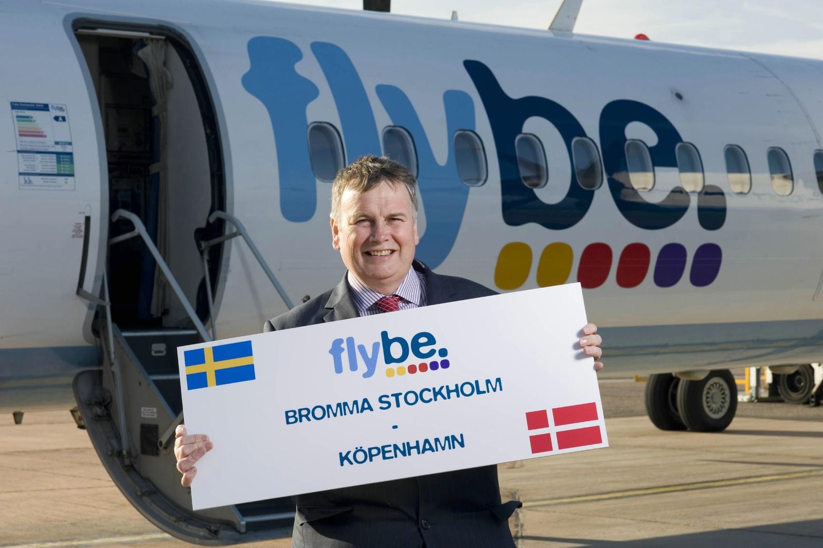 Flybe er et af de selskaber, der gennem tiden har fløjet mellem København og Stockholm-Bromma. Her daværende koncernchef Mike Rutter ved åbningen af CPH-ruten. (Foto: Flybe | PR)