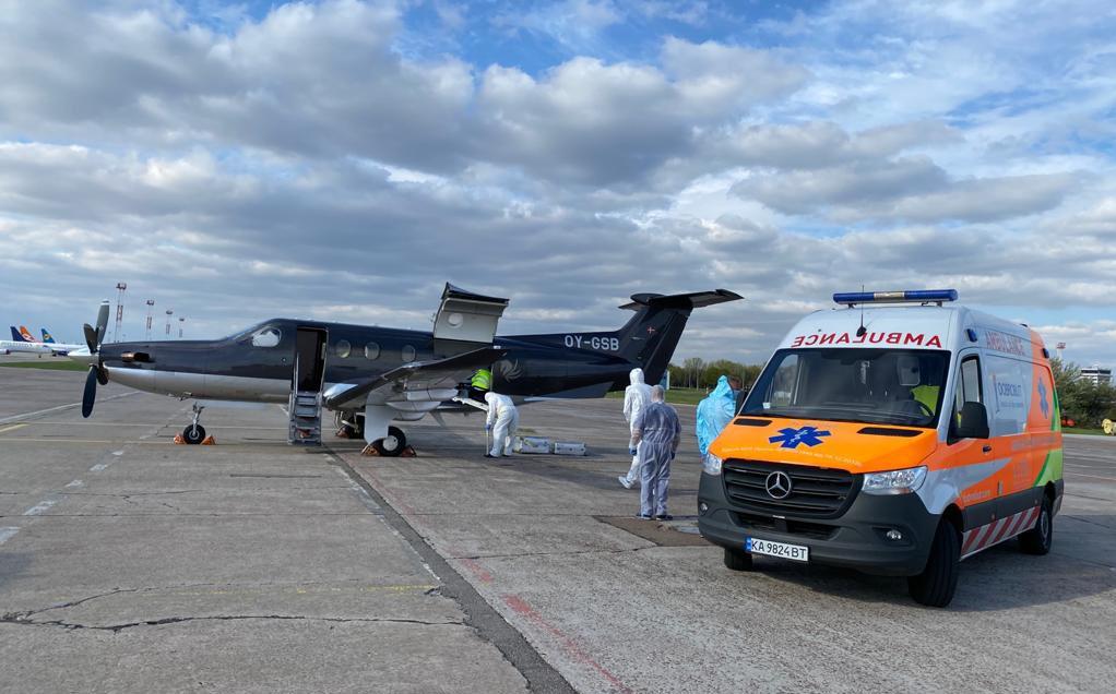 Pilatus PC-12 fra FlexFlight før afgangen fra Kyiv Boryspil International Airport. (Foto: Viktor Axelsen | Facebook)