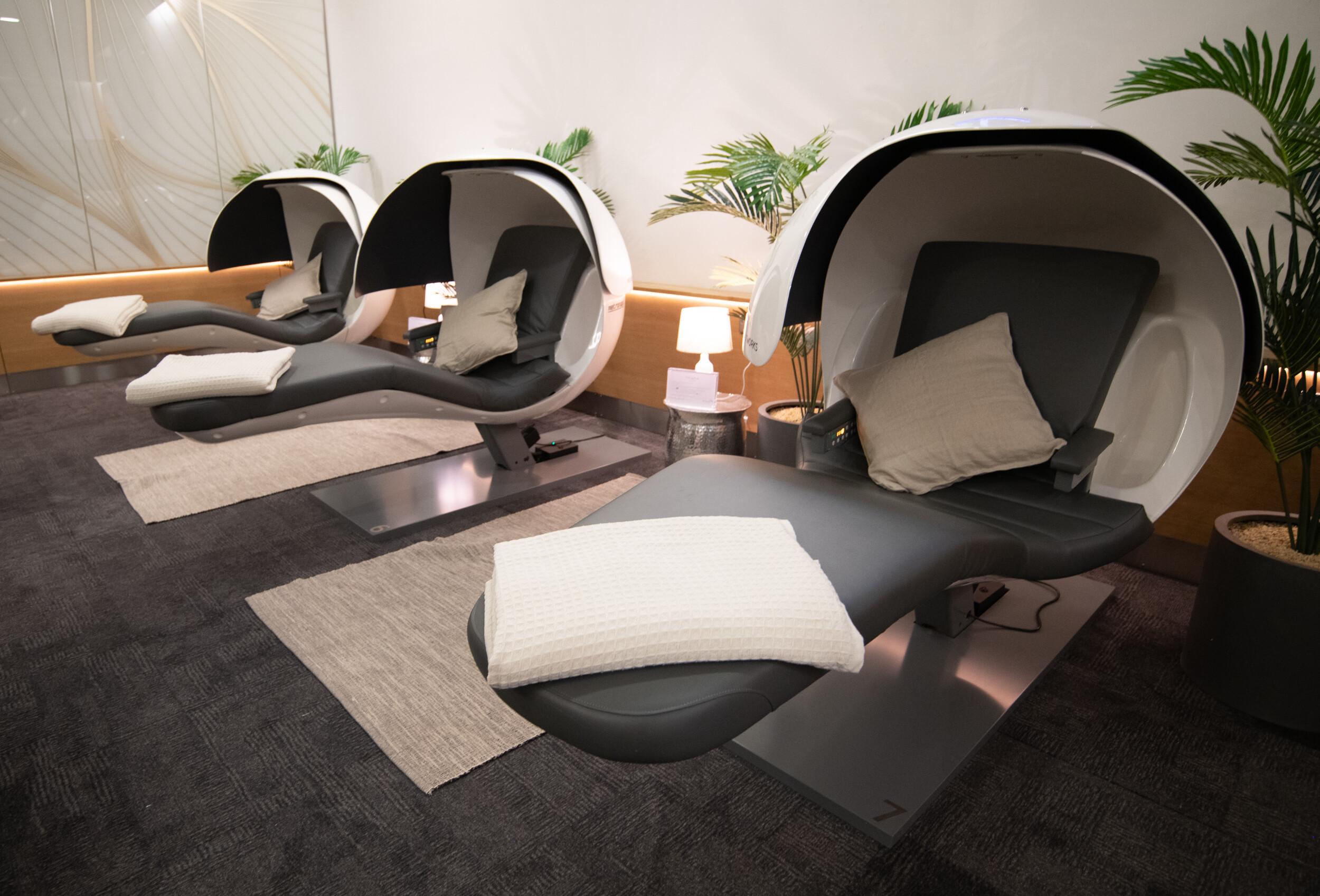 De nye power nap-kabiner kaldt EnergyPods i British Airways' First Lounge i London Heathrow. Foto: British Airways