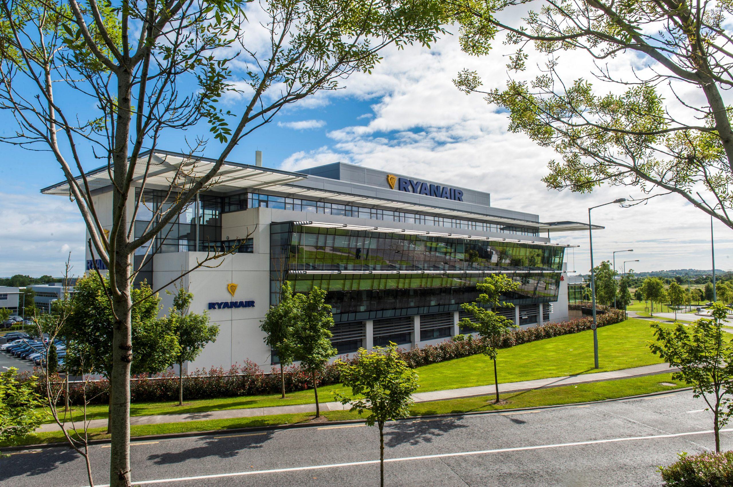 Kundepanelet mødes første gang på Ryanairs kontor i Dublin. (Foto: Ryanair)