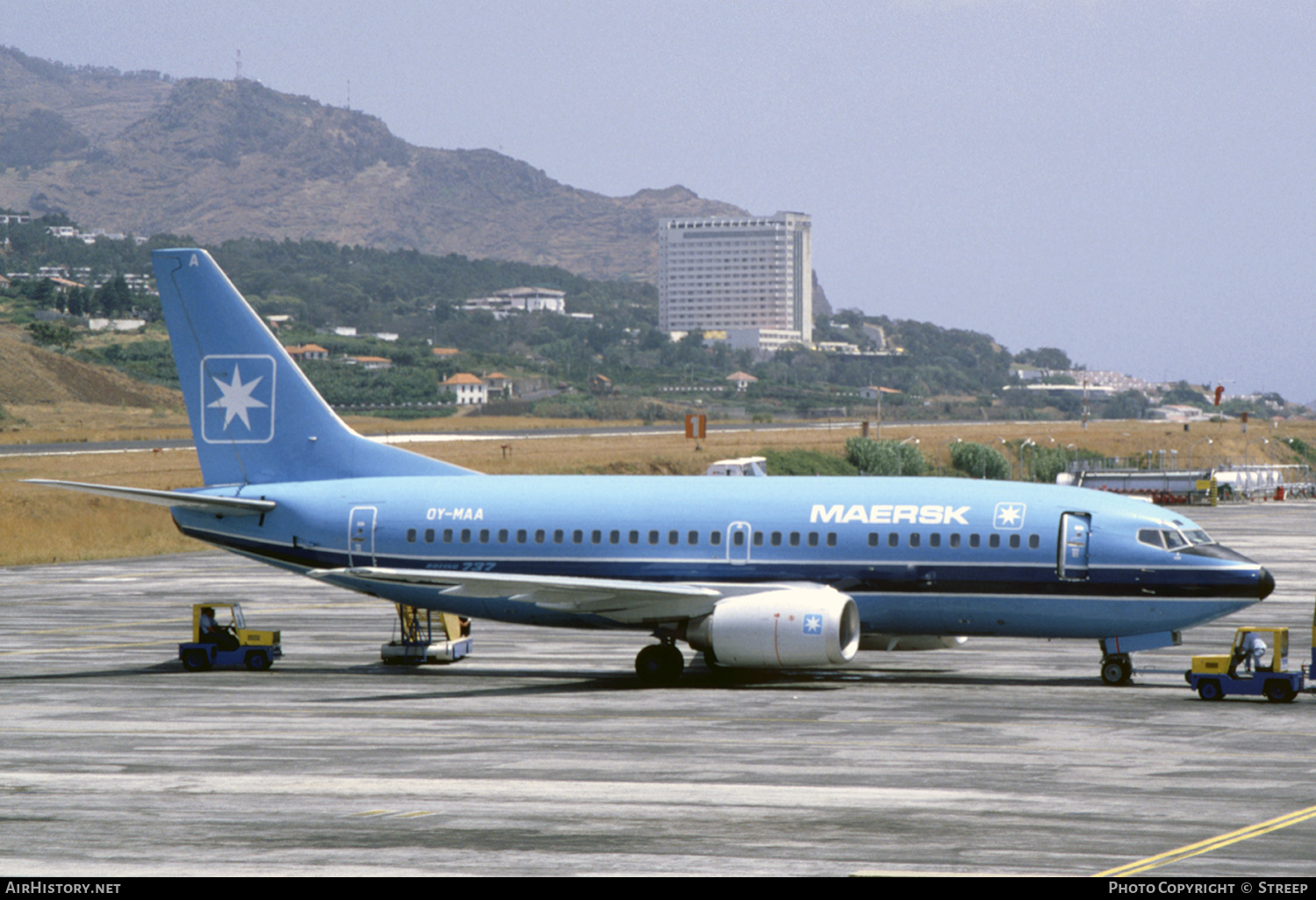 Boeing 737-500 fra Maersk Air (OY-MAA) i Funchal Madeira Airport i juli 1991. (Foto: Ferdinand Peters   Airhistory.net)