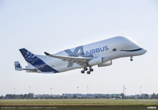 Airbus har sendt sit fjerde transportfly af typen Beluga XL i luften fra Toulouse. Foto: Airbus