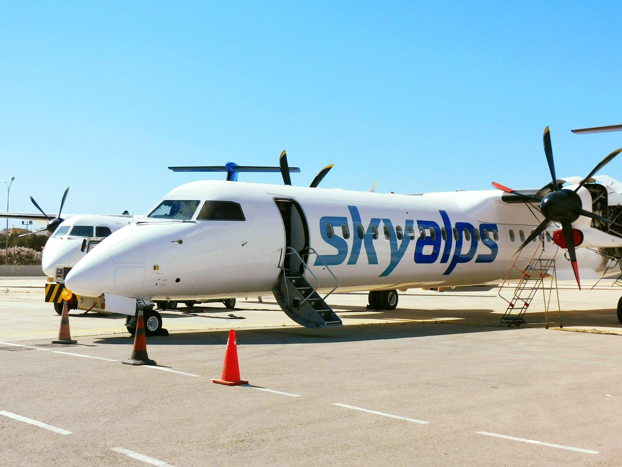 Dash-8-400 fra Skyalps i Bolzano Airport (Foto: Skyalps   PR)