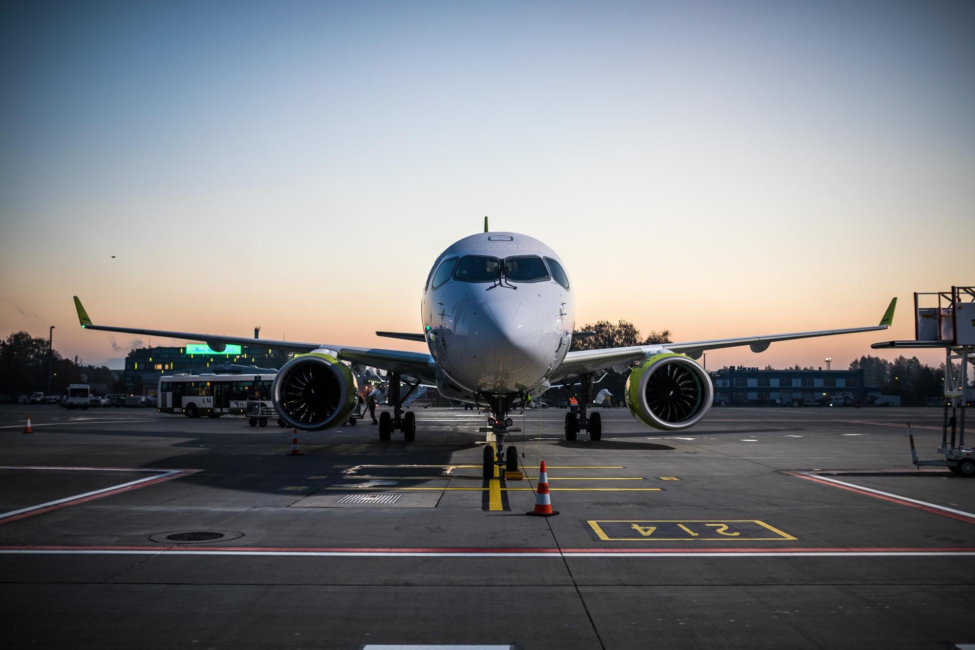 En Airbus A220-300 fra airBaltic. (Foto: airBaltic)