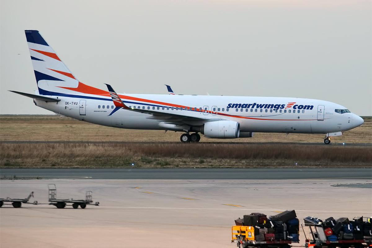 Boeing 737-800 med registrering OK-TVU fløj tre kvinder og 14 børn tilbage fra Kuwait til Karup. (Arkivfoto: Anna Zvereva   CC 2.0)